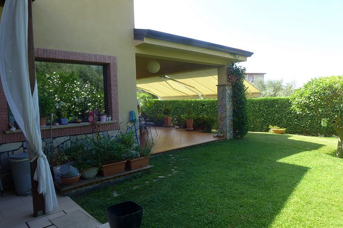 House for sale in the south of Italy by the Tyrrhenian Sea and the old town center