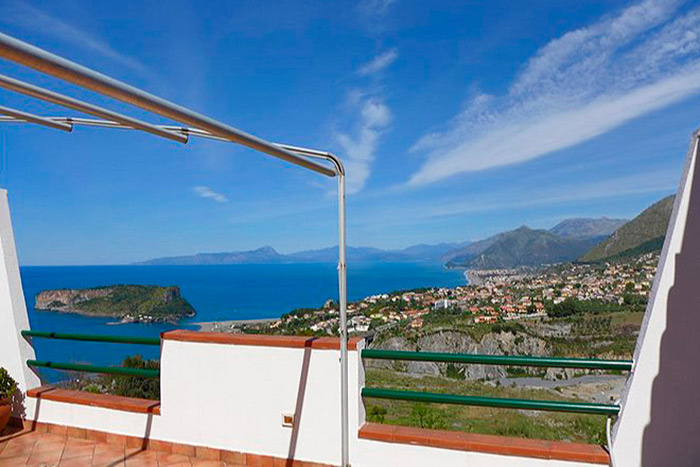 apartment by the sea in Europe (Scalea, Calabria, Italy)
